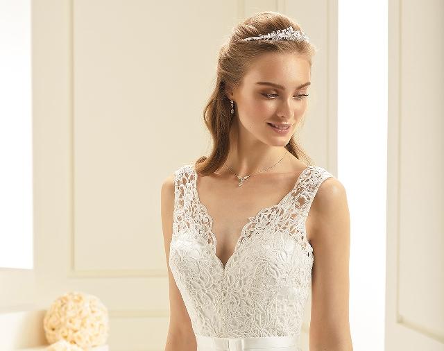 2bc1d3157a Avalon Menyasszonyi ruha- gwesterleigh.com